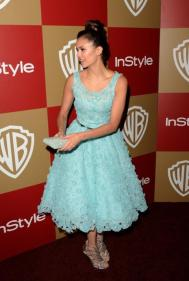 nina-dobrev-etait-girly-a-la-golden-globes